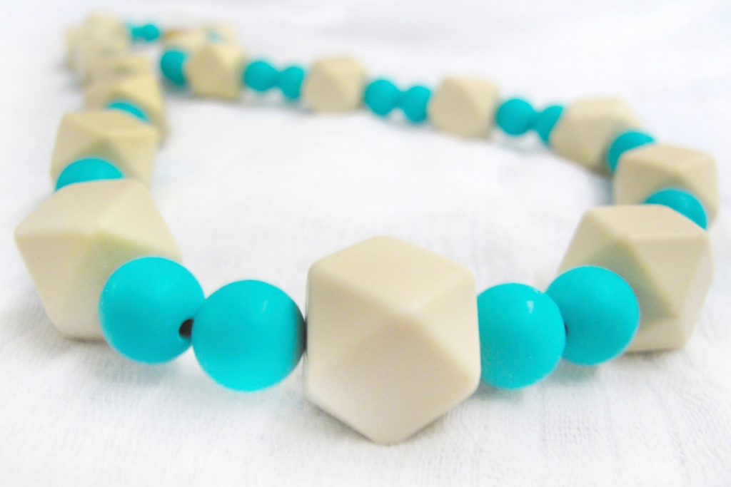 Colbie teething necklace