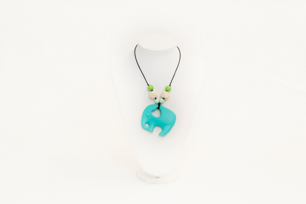 Hailey teething necklace