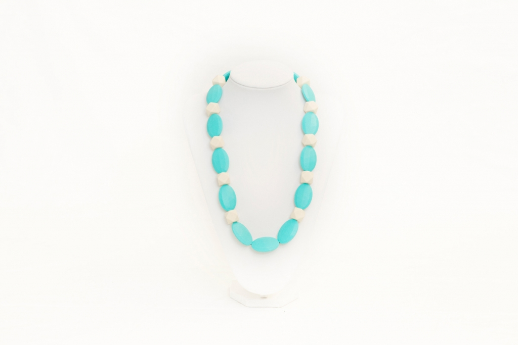 Penelope teething necklace